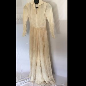 Vintage Ivory Lace Long-Sleeve Wedding Gown